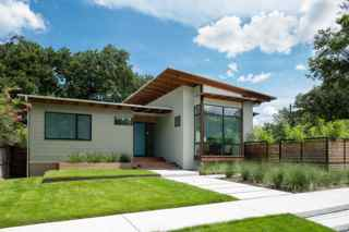 McIntyre+Robinowitz Architects: Marmo-Vaikhman House  Heights Home Salvages Materials to Create Identity while Blending with Area Bungalows  705 Merrill, Houston, TX 77009 - 5,700 square feet, McIntyre+Robinowitz Architects