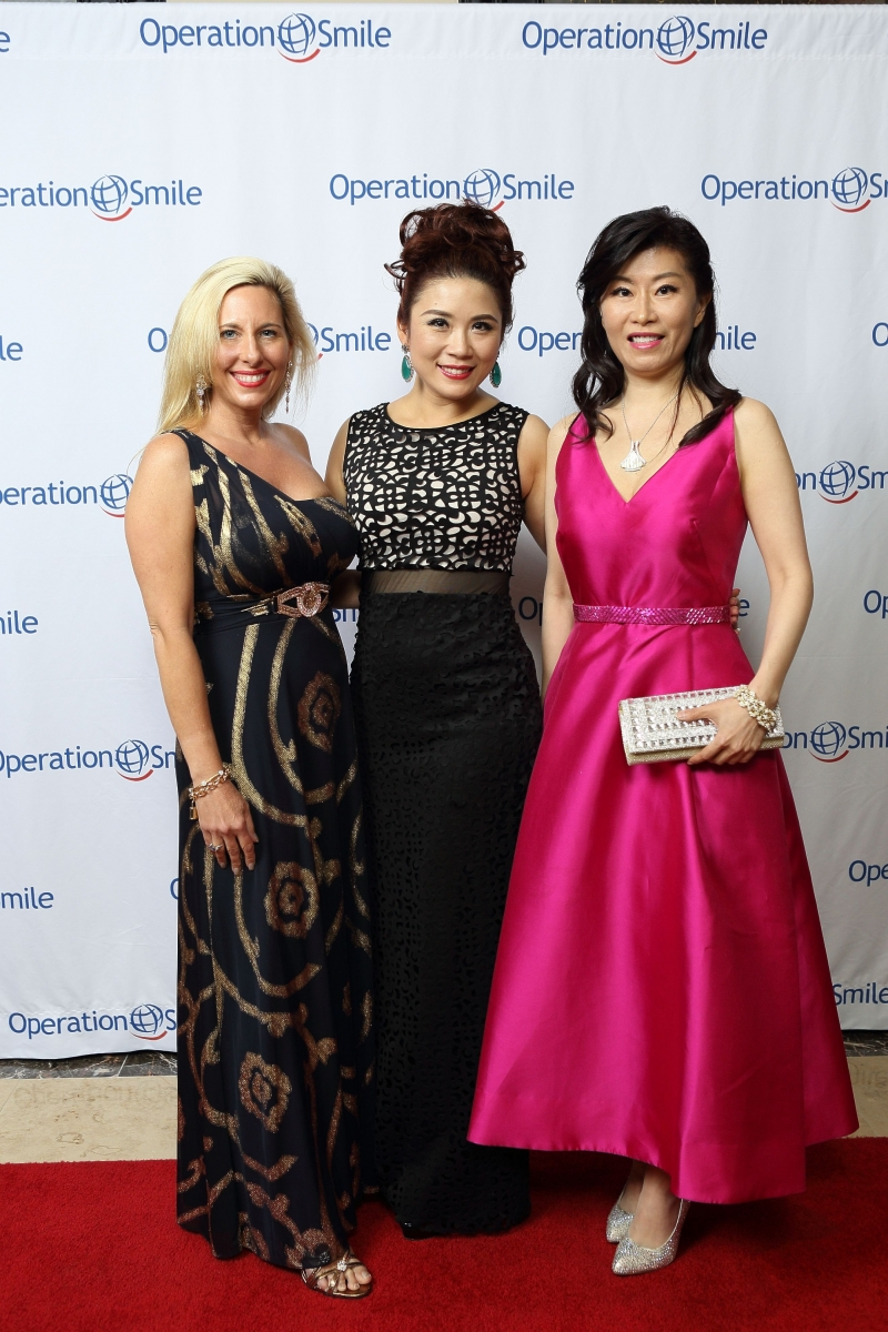 Tracy Faulkner, Christina Zhou, Amy Sung