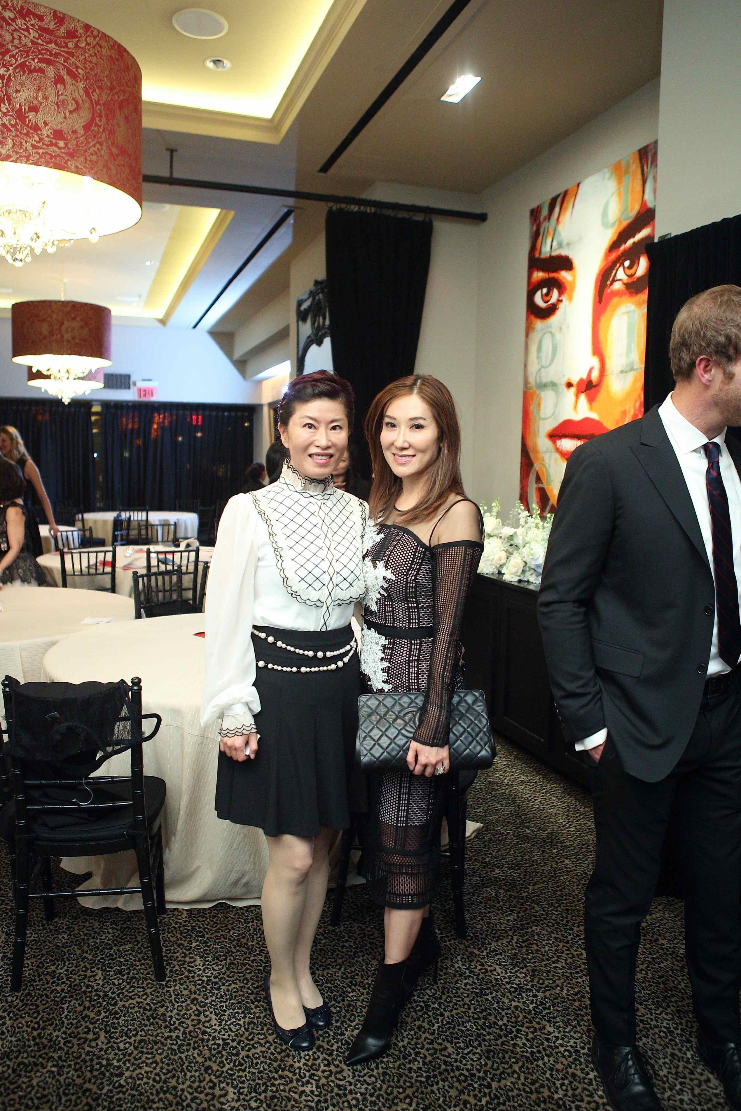 Amy Sung, Mandy Kao